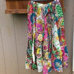 Vintage Boho skirt, very flared elastic waistband.